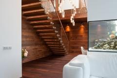 02 modernus namas laiptai projektavo Alina Venskutė foto_Andrius_Stepankevičius