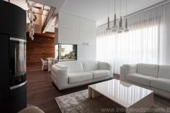 16 modernus namas svetainė projektavo Alina Venskutė foto_Andrius_Stepankevičius